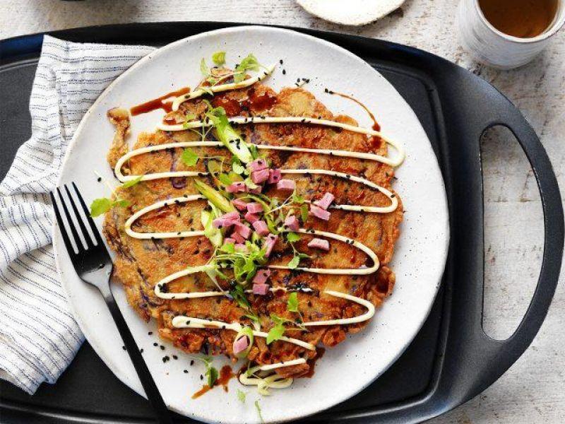 Ham Okonomiyaki (Japanese Pancake)